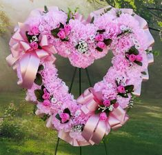 Corazón Funerario Clavel y Lilium, Composiciones Florales Clásicas, Envíos Florales Urgentes a Tanatorios, Flores para Difuntos